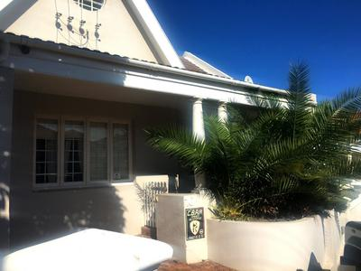 Property For Rent in Oranjezicht, Cape Town