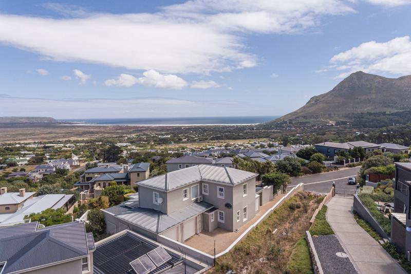 Property For Sale in Belvedere, Noordhoek 2