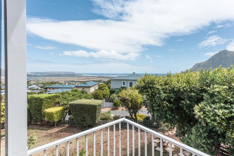 Property For Sale in Belvedere, Noordhoek 9