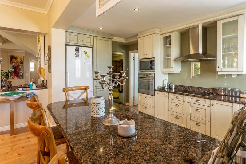 Property For Sale in Belvedere, Noordhoek 16