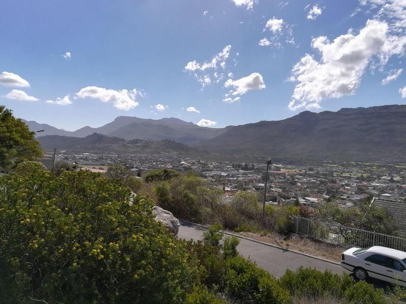 Property For Sale in Fish Hoek, Fish Hoek 3