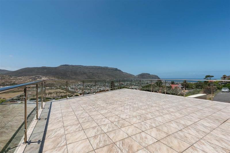 Property For Sale in Fish Hoek Central, Fish Hoek 3