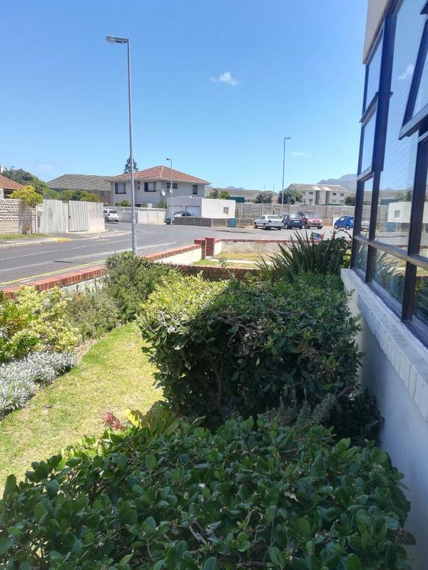 Property For Sale in Fish Hoek, Fish Hoek 17
