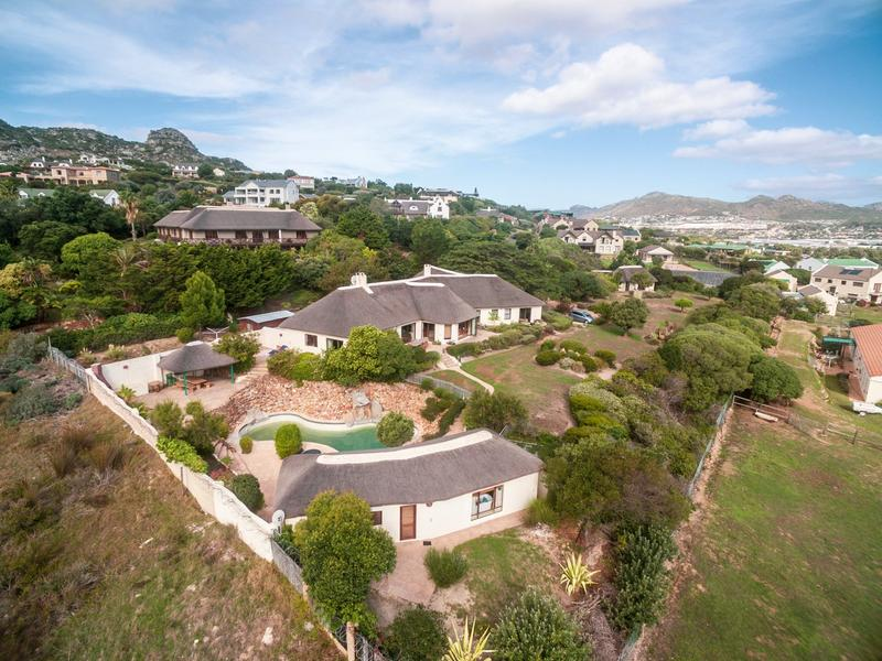 Property For Rent in Crofters Valley, Noordhoek 2
