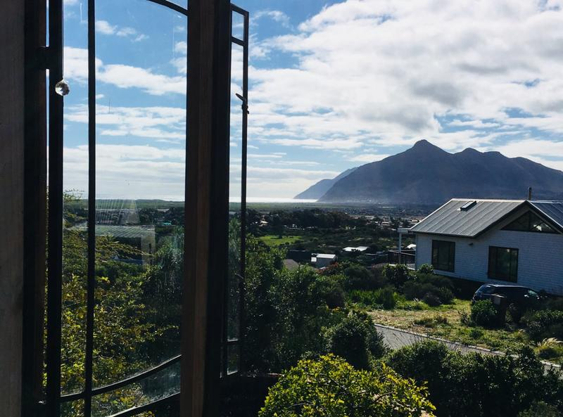Property For Sale in Capri, Fish Hoek 4
