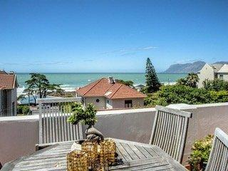 Property For Sale in St James, Cape Town 22