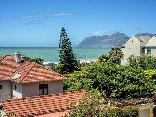 Property For Sale in St James, Cape Town 23