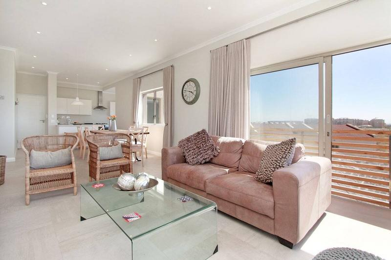 Property For Rent in Muizenberg, Cape Town 2
