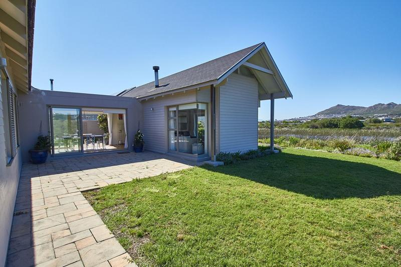 Property For Rent in Lake Michelle Security And Eco Estate, Noordhoek 24