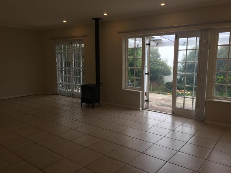 Property For Rent in San Michel, Noordhoek 5