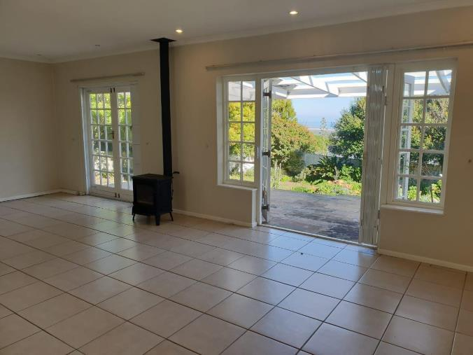 Property For Rent in San Michel, Noordhoek 13