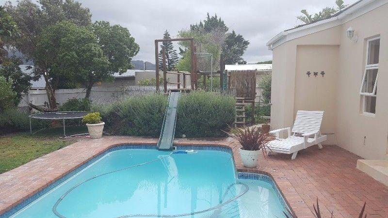 Property For Rent in Capri, Fish Hoek 2