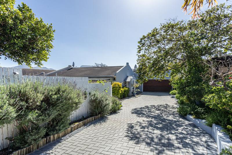 Property For Sale in Capri, Fish Hoek 24