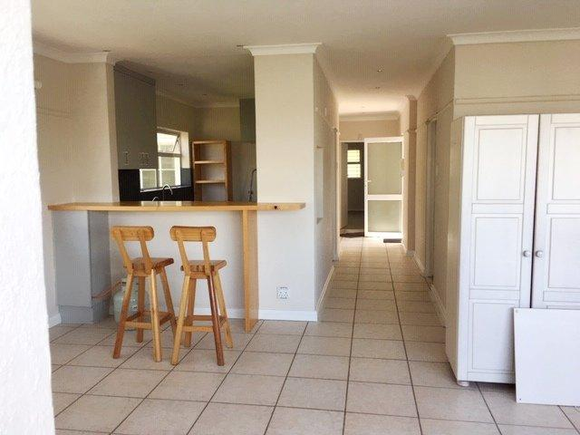 Property For Rent in Oranjezicht, Cape Town 11