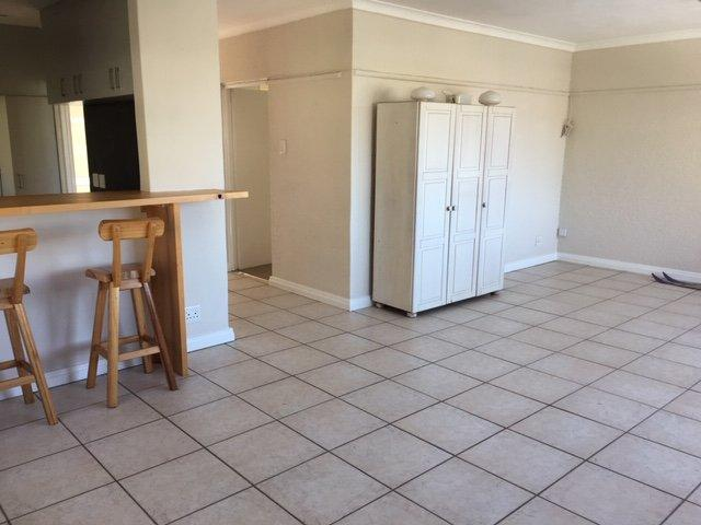 Property For Rent in Oranjezicht, Cape Town 12