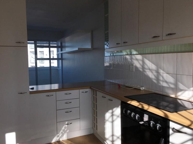Property For Rent in Green Point, Cape Town 9
