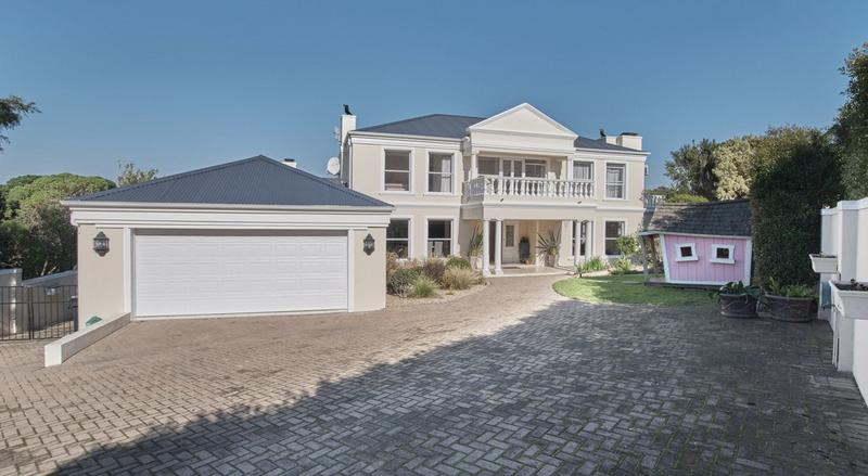 Property For Sale in Zilvermyn Estate, Noordhoek 1