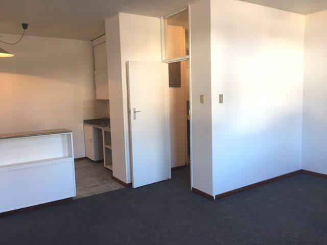 Property For Rent in Oranjezicht, Cape Town 3