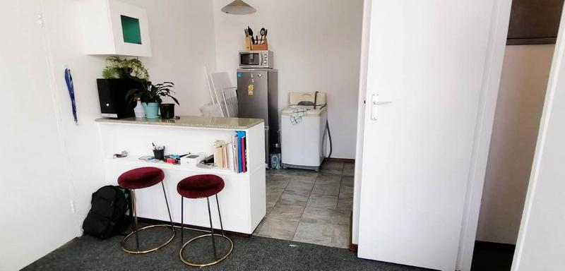 Property For Rent in Oranjezicht, Cape Town 2