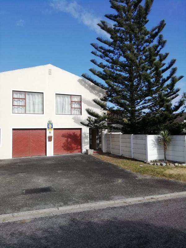 Property For Rent in Sunnydale, Noordhoek 2