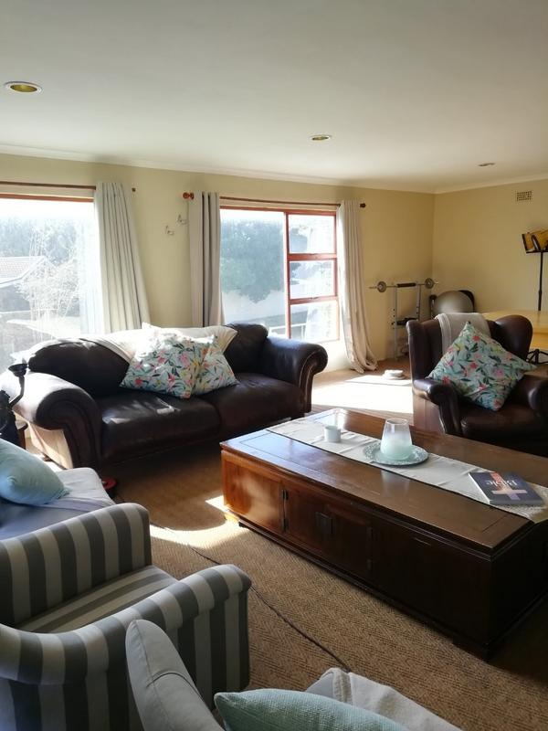 Property For Rent in Sunnydale, Noordhoek 4