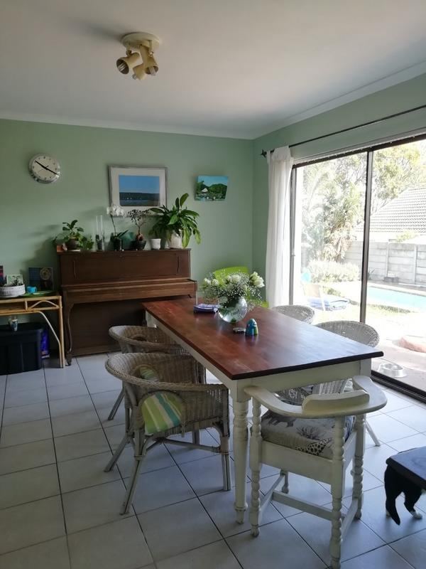 Property For Rent in Sunnydale, Noordhoek 6
