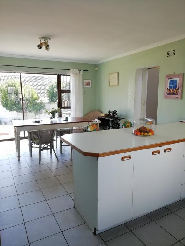 Property For Rent in Sunnydale, Noordhoek 8
