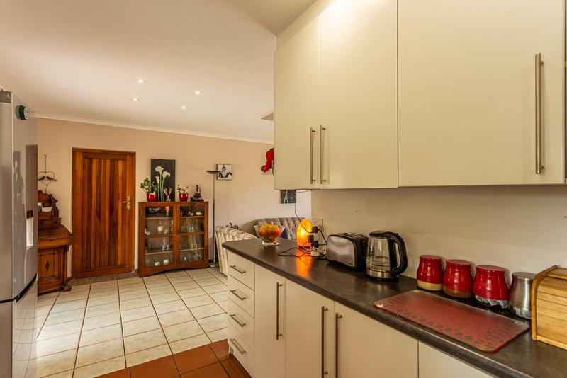 Property For Sale in Milkwood Park, Noordhoek 12