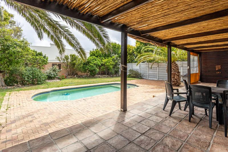 Property For Sale in Milkwood Park, Noordhoek 23