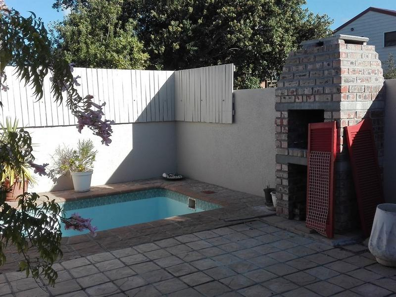 Property For Rent in Sun Valley, Fish Hoek 2