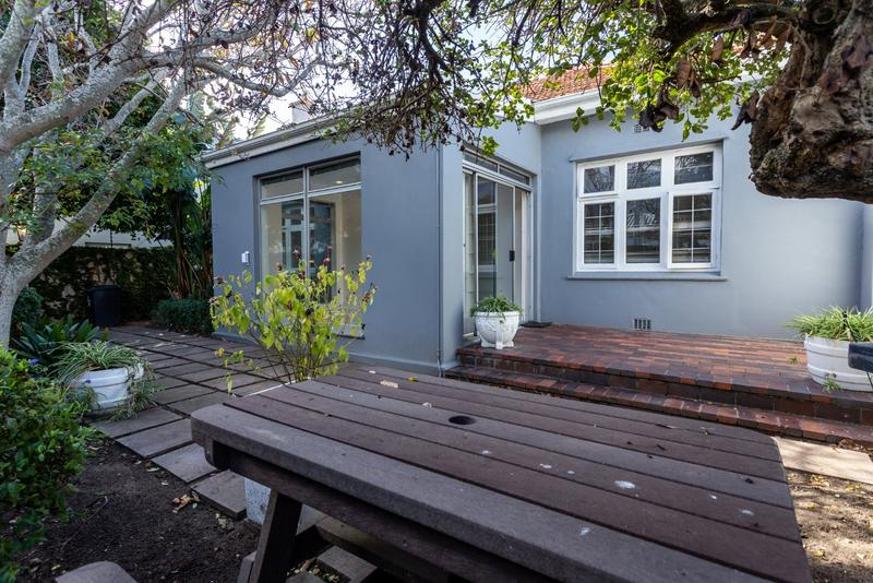 Property For Rent in Claremont Upper, Cape Town 2